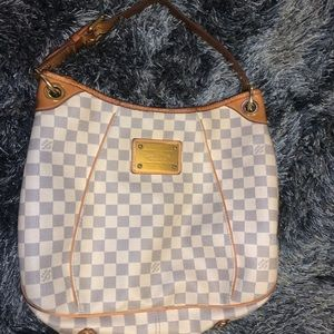 Louis Vuitton Galliera Damier GM shoulder bag.